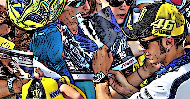Rossi gibt Autogramme